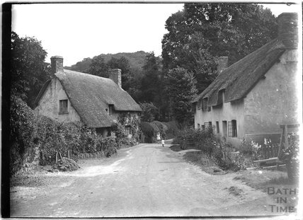 Cottages at the end of Park Street, Dunster, Somerset, c.1910