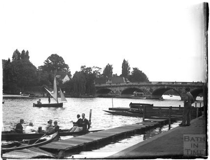 A bridge on the Thames at Henley-on-Thames, c.1920s