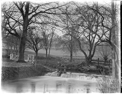 Shockerwick weir with sluice gate c.1900