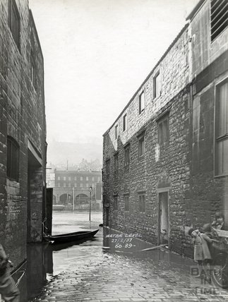 Looking down Ambury to Broad Quay & River Showing Side of Read's Garage, 27th February 1937
