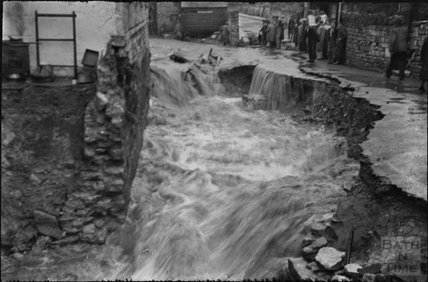 Floods in Larkhall, 1932