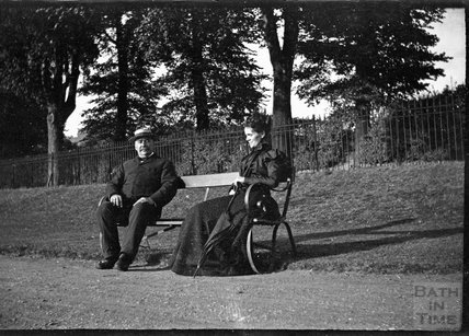 Couple on a park bench in Victoria Park, Bath c.1900s