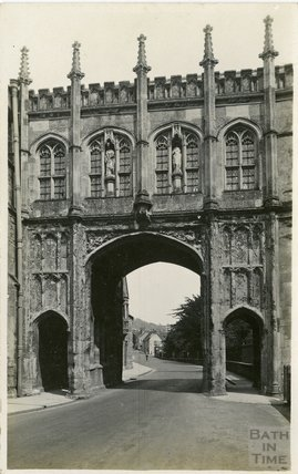 Gateway to Cathedral, Wells, c.1910s