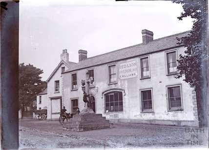 The Red Lion public house, Cathedral Close, Llandaff, Cardiff, c.1902