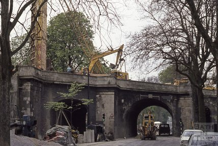Drilling at new Railway Bridge, Pulteney Road, 1974
