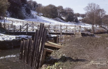 Folly Bridge, Kennet and Avon Canal, Bathampton 1975