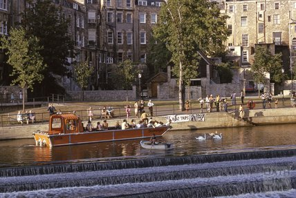Pleasure boats above Pulteney Weir, 1975