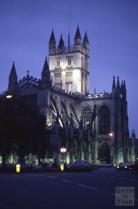Bath Abbey at dusk, Apr 1981