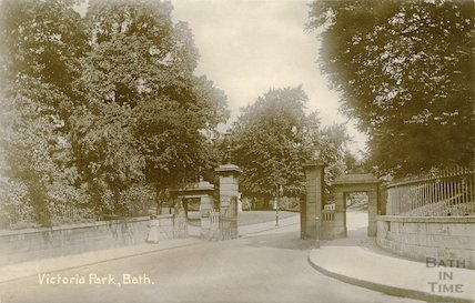 Entrance to Royal Avenue, Royal Victoria Park, Bath, c.1912
