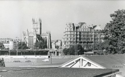The Abbey and the Empire Hotel viewed across the Recreation Ground, 1986