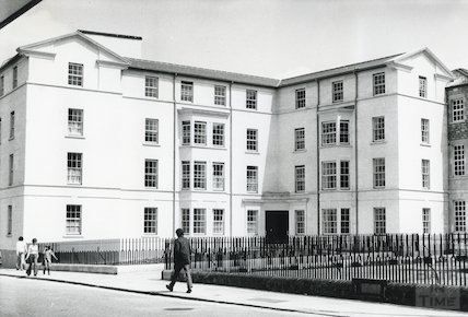 Rosenberg House - extension to St. Johns Hospital 1976