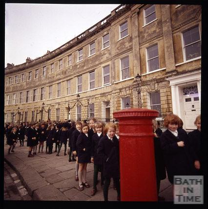 Snowdon. School children in Lansdown Crescent, Bath 1972