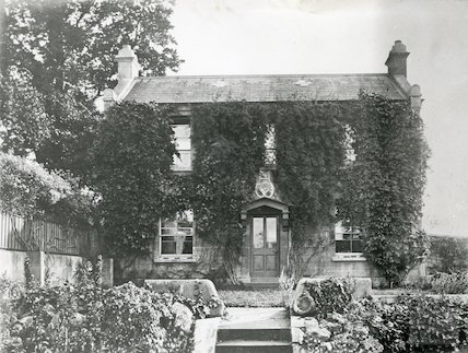 Cottage in the grounds of Vellore House, c.1910