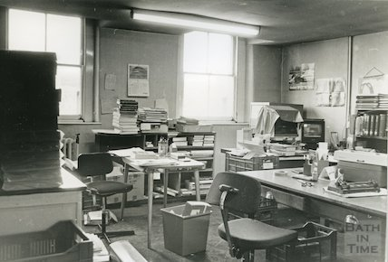 Reference Library, Queen Square - work room March, 1990 prior to move to Podium