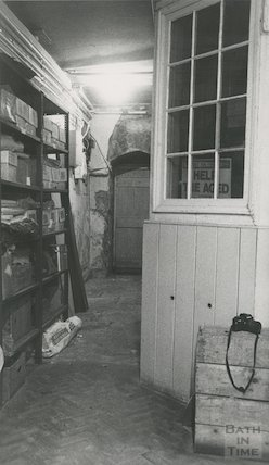 Reference Library, Queen Square - basement geology store March, 1990 prior to move to Podium