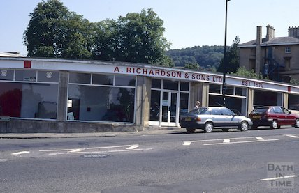 Richardson and sons, Bathwick Hill, August 1995