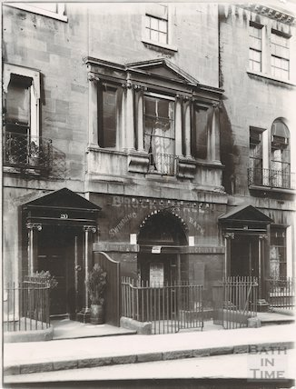 20 & 21, Brock Street and entrance to Margaret Chapel, Bath c.1903