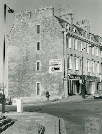 Westgate Buildings after conversion of end house, February 1979