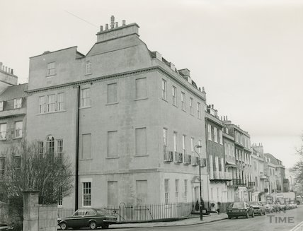 Upper Church Street and corner of Catharine Place, 3 April 1986