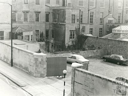 Rear of 18a-20 Queen Square site of proposed 3 storey office block, 19 April 1985