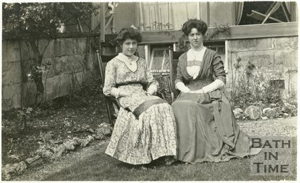 Violet Dafnis and a friend (possibly sister) in her back garden at 32 Sydney Gardens, c.1911