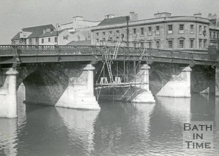 Old Bridge, Bath undergoing repairs, c.1960