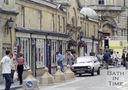 Traffic Calming Measures on Pulteney Bridge, Bath, 1995