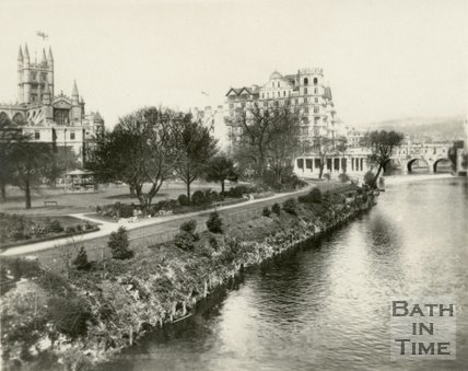 Parade Gardens with Bath Abbey and the Empire Hotel in the distance, Bath, c.1945