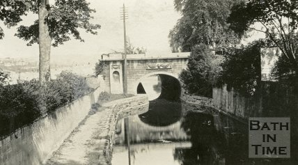 Sydney Gardens, Kennet and Avon Canal and bridge, Bath c.1915
