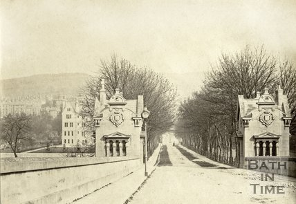 The entrance to North Parade toll bridge, Bath c.1880