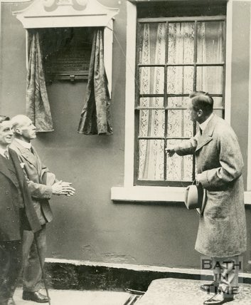 Minister of Agriculture unveiling tablet to Edmund Rack at 5 St. John's Place Bath, 26 May 1927