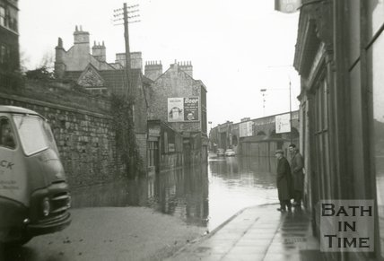 The end of Claverton Street looking towards Wellsway during the Bath Floods of 1960