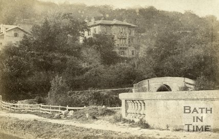 Dundas Aqueduct, Kennet and Avon Canal and stone bridge c.1870