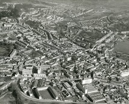 1972 Aerial photograph of Bath looking over the Avon Street area towards the east, 1 March