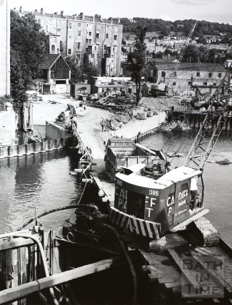 Pulteney Bridge showing weir redevelopment, Bath 1970