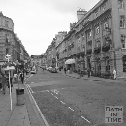 A busy shopping day on Milsom Street, Bath, 1989.