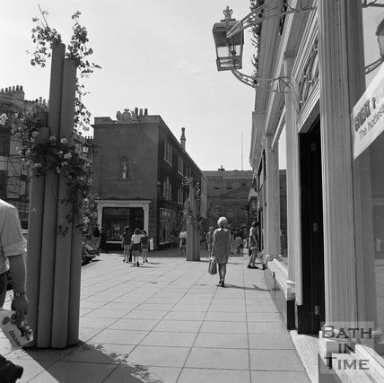 The bottom of Milsom Street, Bath, c.1977