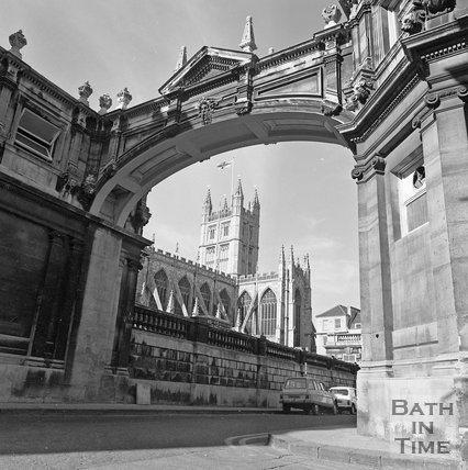 The classic view from York Street of Bath Abbey, c.1977