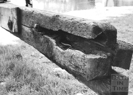 Decayed balance beam on south side head gate of Chapel Lock, Widcombe, Bath 1956