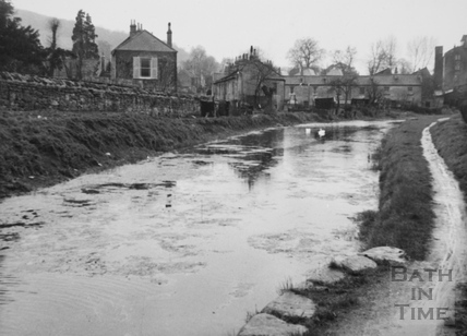 Looking downstream from Bathampton Bridge 1956