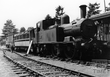 No. 1401 at Monkton Combe Station 1952