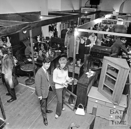 Guinea Lane Antiques Market, 1 June 1972