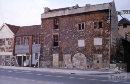 Last house to be demolished, 6, Broad Quay and 1, Southgate Place, Bath 1965