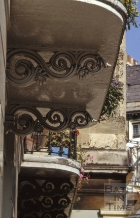 Balcony supports, 10, Cleveland Place West, Bath 1965