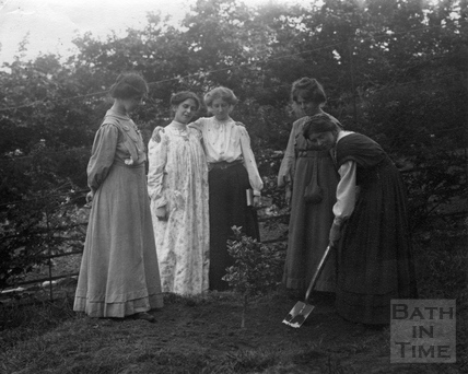 Suffragette Millicent Browne planting tree with Mary Phillips, Vera Wentworth, Elsie Howey and Annie Kenney 1909