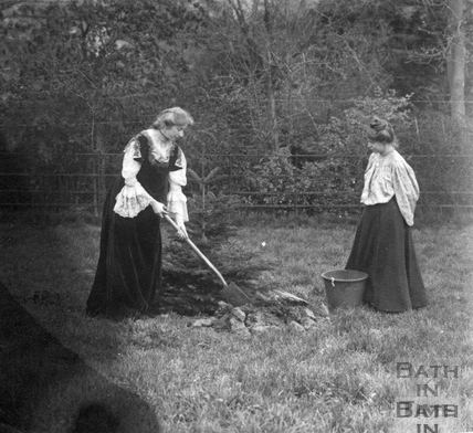 Suffragette Elsie Howey planting tree and Annie Kenney 1909