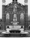 Christ's Hospital;Fountain with statues of Edward VI and Bluecoat Boys