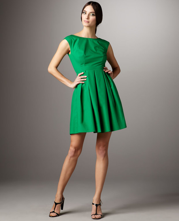 Can You Help Me Find A Kelly Or Apple Green Dress Ask