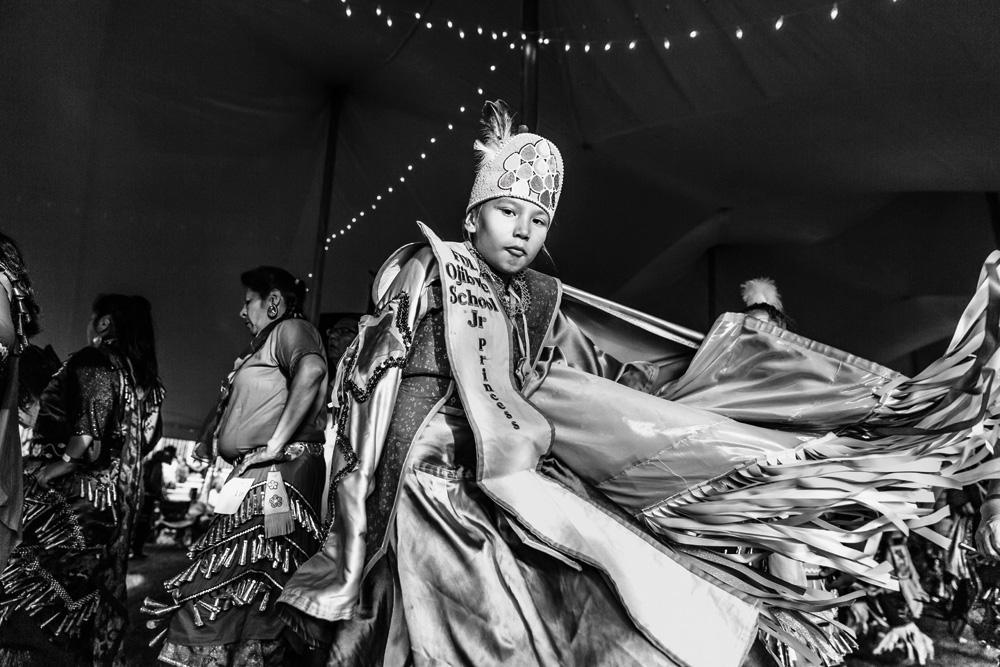 Powwow on elämäntapa. Perheet kiertävät koko kesän ympäri Yhdysvaltoja juhlasta toiseen. Kuva: Meeri Koutaniemi