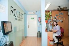 Entrada a la clínica - Doctores Romero